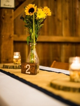 Rustic Reception Centerpiece: Photo by Menning Photographic via Heather Renee Celebrations