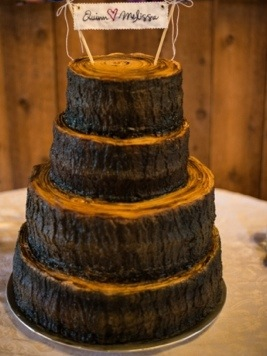 Rustic Wedding Cake: Photo by Menning Photographic via Heather Renee Celebrations