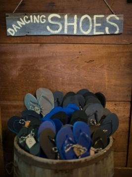 Reception Dancing Shoes: Photo by Menning Photographic via Heather Renee Celebrations