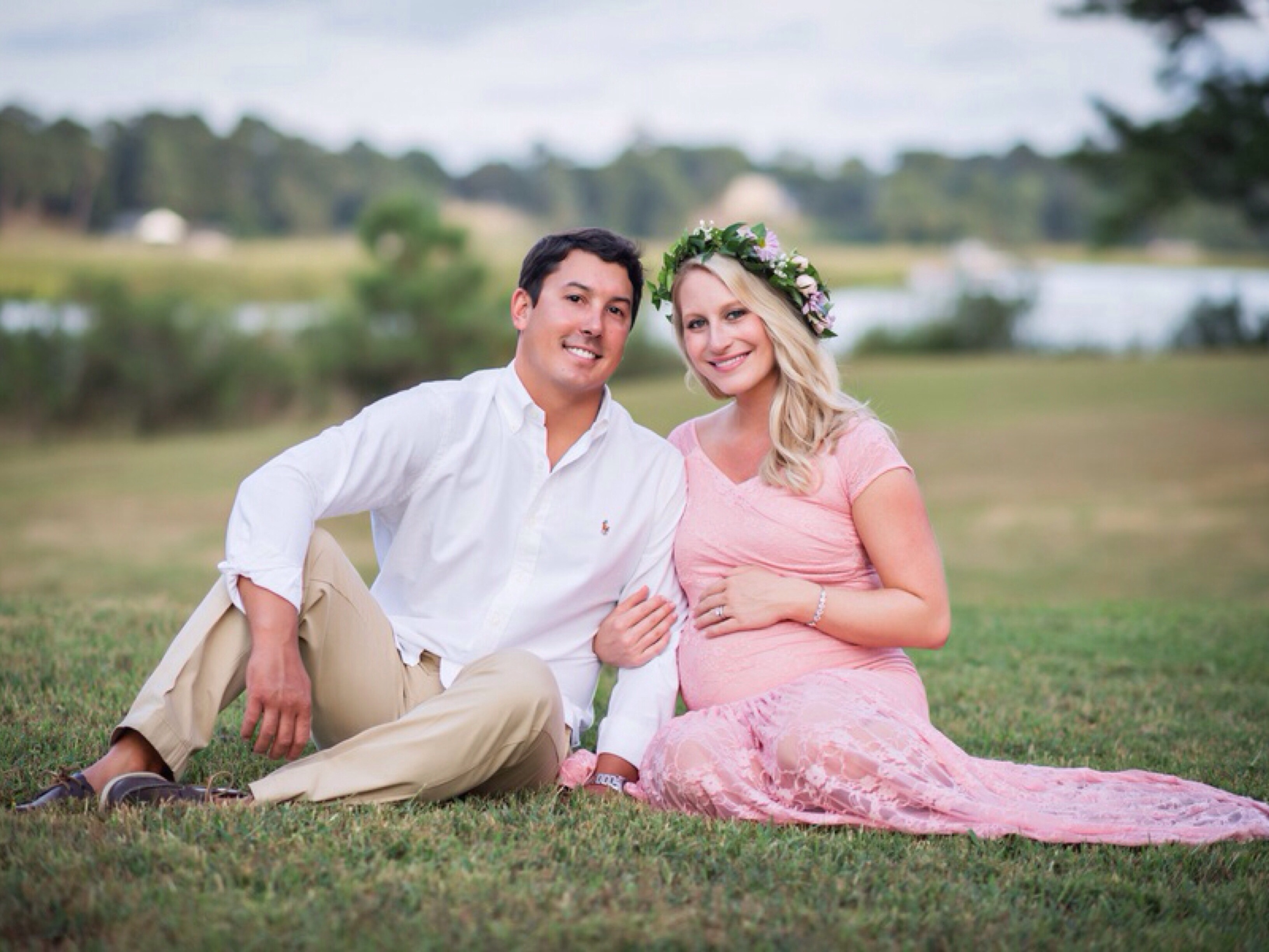 Windsor Castle Park Maternity Session: Photography by Ross Costanza Photography via Heather Renee Celebrations