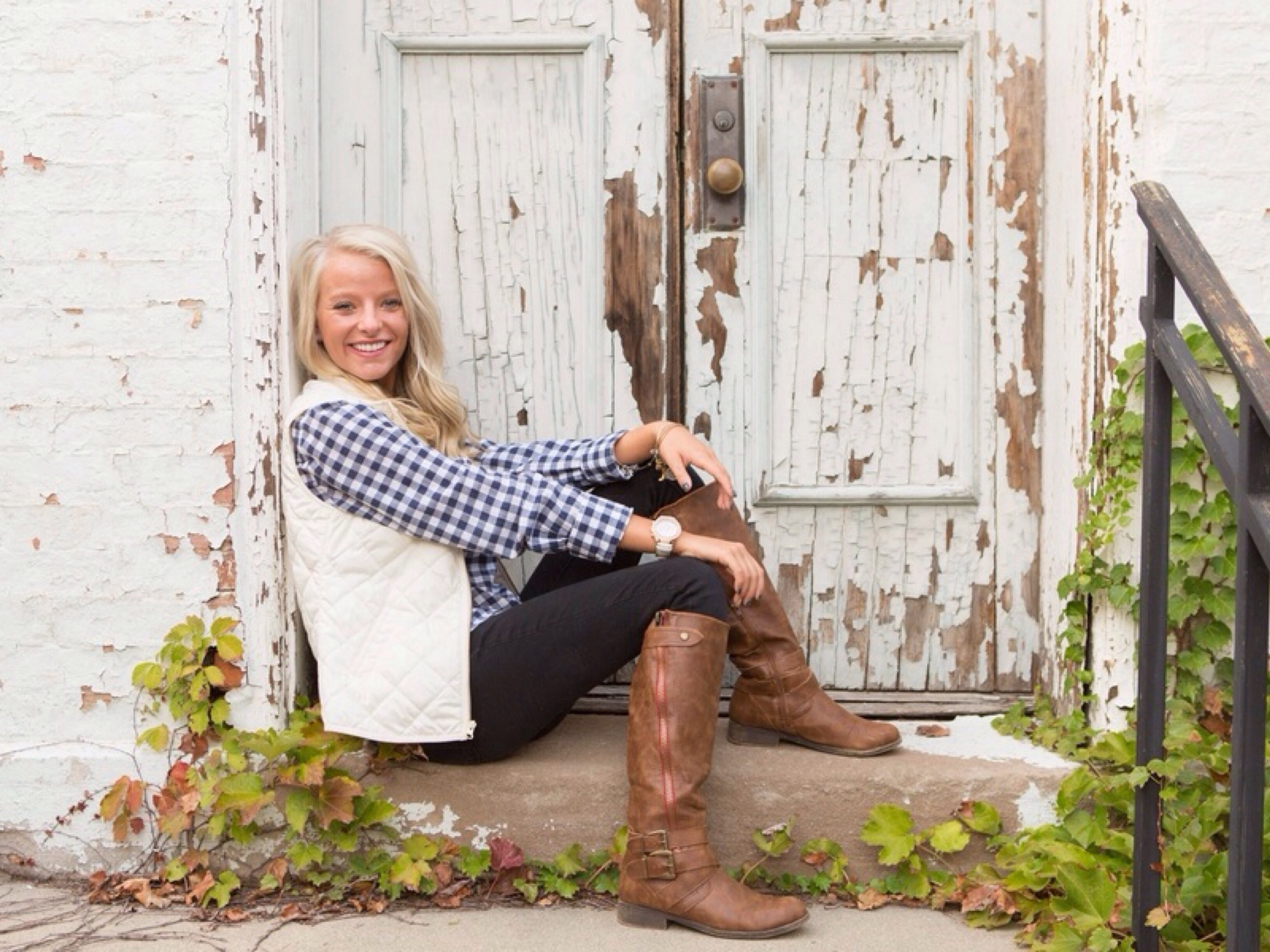 Frankfort Indiana Senior Session: Photography by Ashley Renee Photography via Heather Renee Celebrations